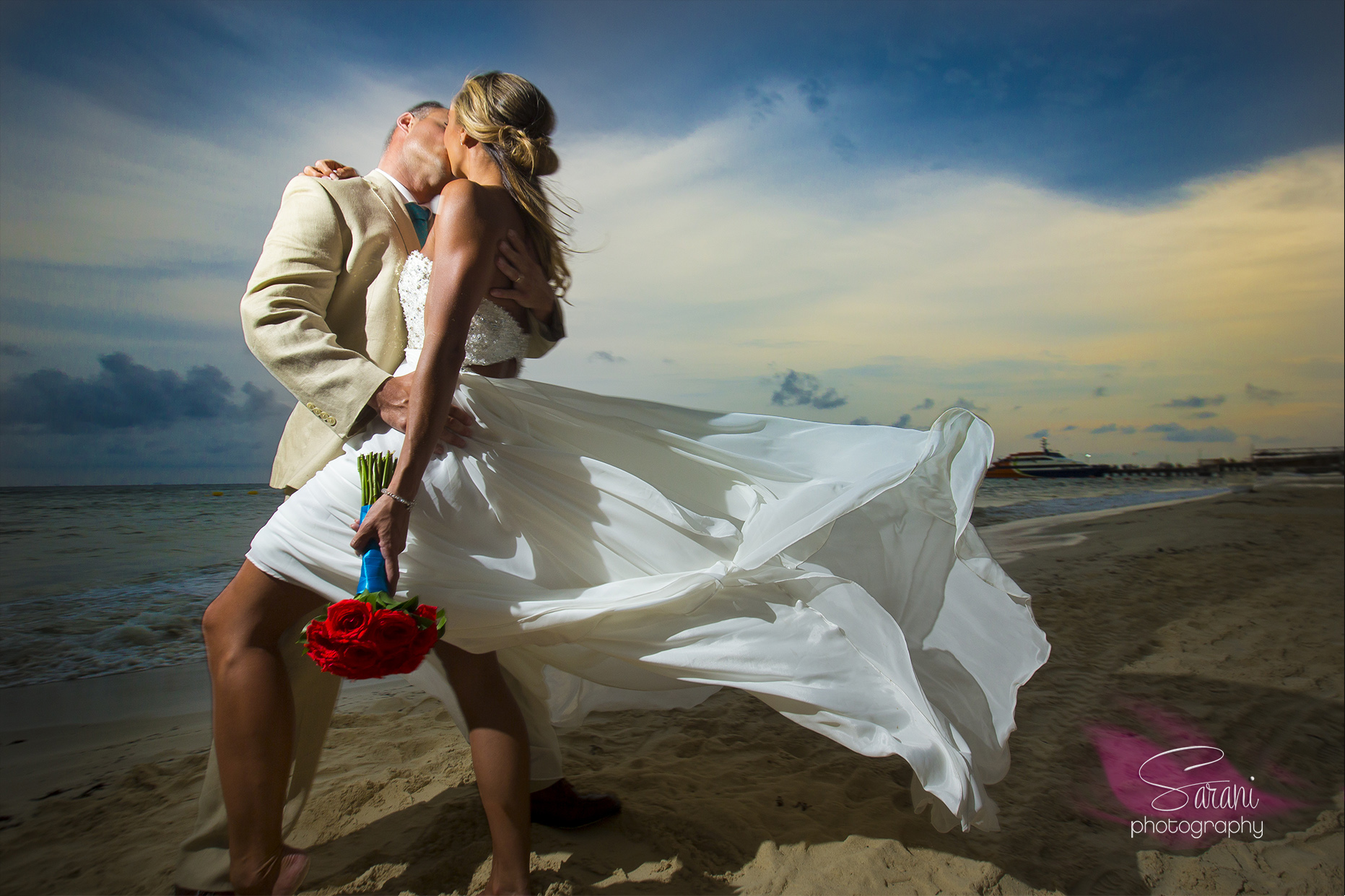 Trash the dress photo session in Cancun