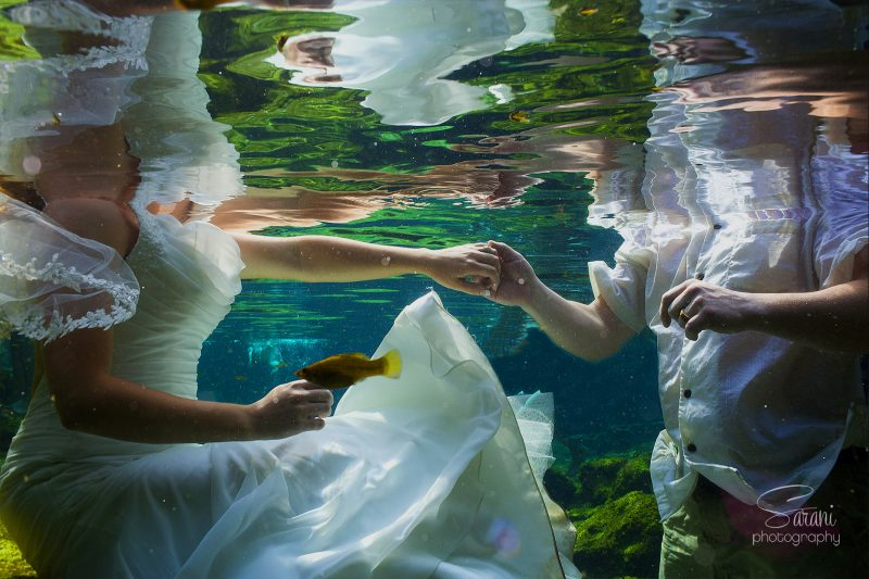 Underwater Trash the dress in Cancun